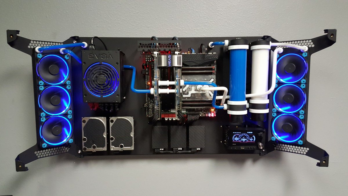 Brad Chacos On Twitter Quot This Gorgeous Liquid Cooled Pc