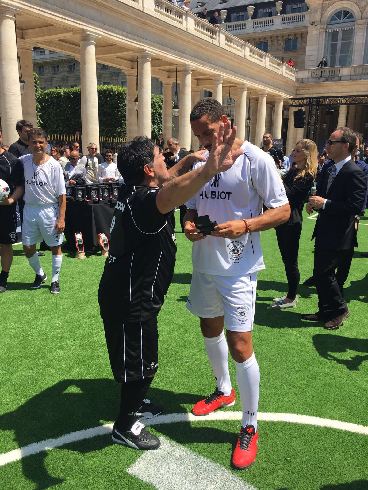The Legend discussing #Eng chances at #Euro2016 yesterday!! #Maradona https://t.co/u1Vf1HPtx3