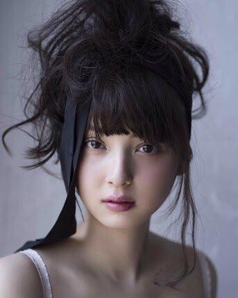 変わった髪型佐々木希
