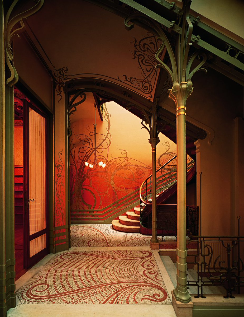 #ArtNouveau Awesome of the Day: Hallway by Victor Horta at #TasselHouse in #Brussels  v/ @AGUA_architects #SamaPlaces