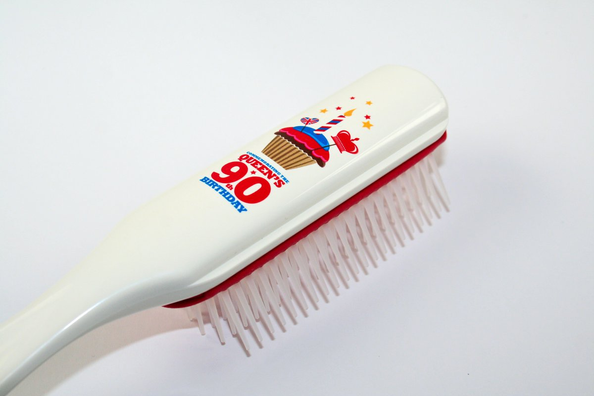 We're celebrating the #queenat90 with @DenmanBrush RT to win a limited edition brush #competition https://t.co/fo6iluR8m6