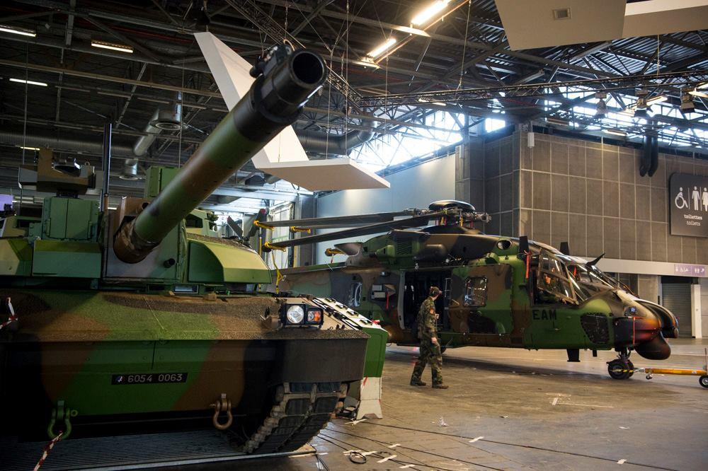 French Army: News  Ckli-z3XEAA6M4D