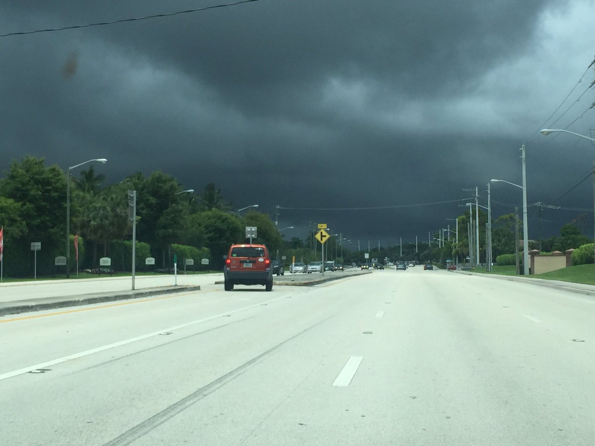 Another fine looking #SouthFlorida #afternoon... It's coming, be #careful and #safe! @850WFTL https://t.co/mA7DwxIkZC