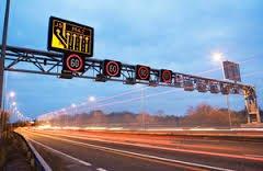 Advice for drivers heading to Bristol as M32 wknd closure starts 8pm tonight | https://t.co/i57Y1du7i0 | @MetroBusTW https://t.co/akt61nLO9b