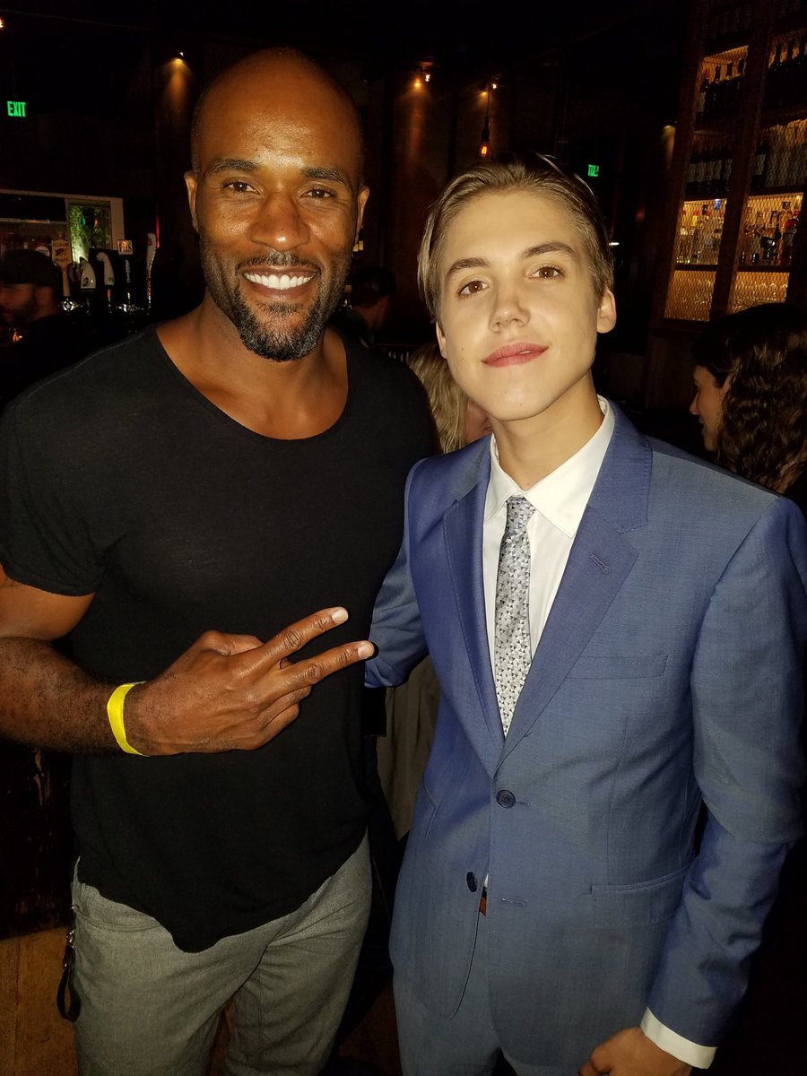 Premiere #BeSomebodyMovie @TheMattEspinosa did his thing! Drops today, peep it on #iTunes  Proud to be a part of it. https://t.co/kkPjjxEnTF