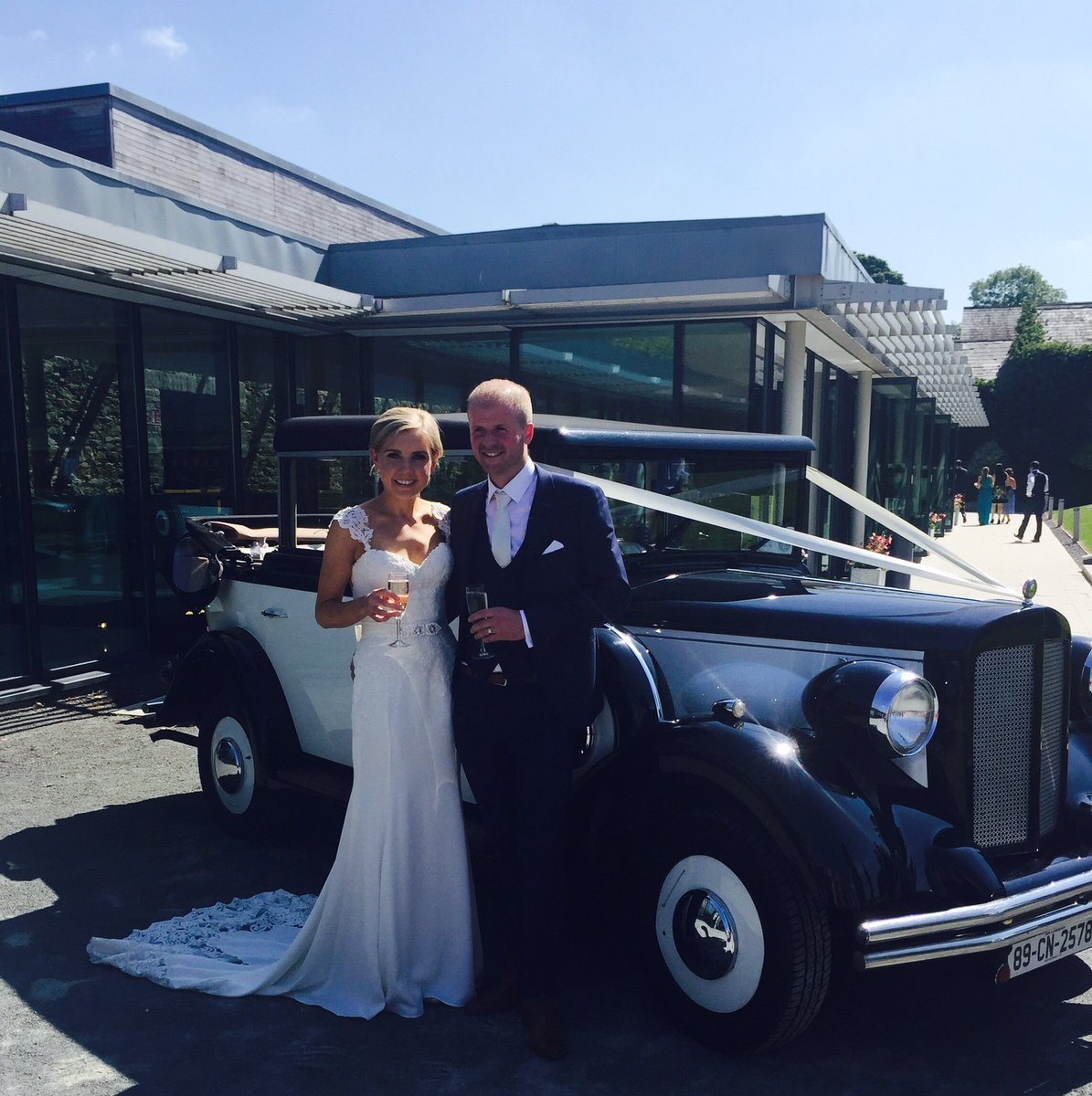 farnham estate on twitter happy 1 week anniversary to mr mrs king who got married here last friday 3rd of june wedding sunshine