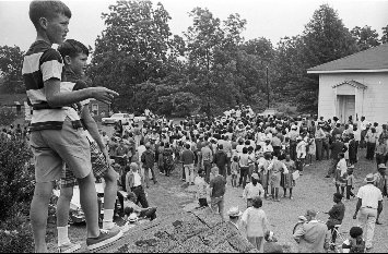 Church picnic. Undated photo from the 1966 #MarchAgainstFear #MAF50 #50Years. Image by Bob Fitch @StanfordArchive https://t.co/qNOI3pegQs