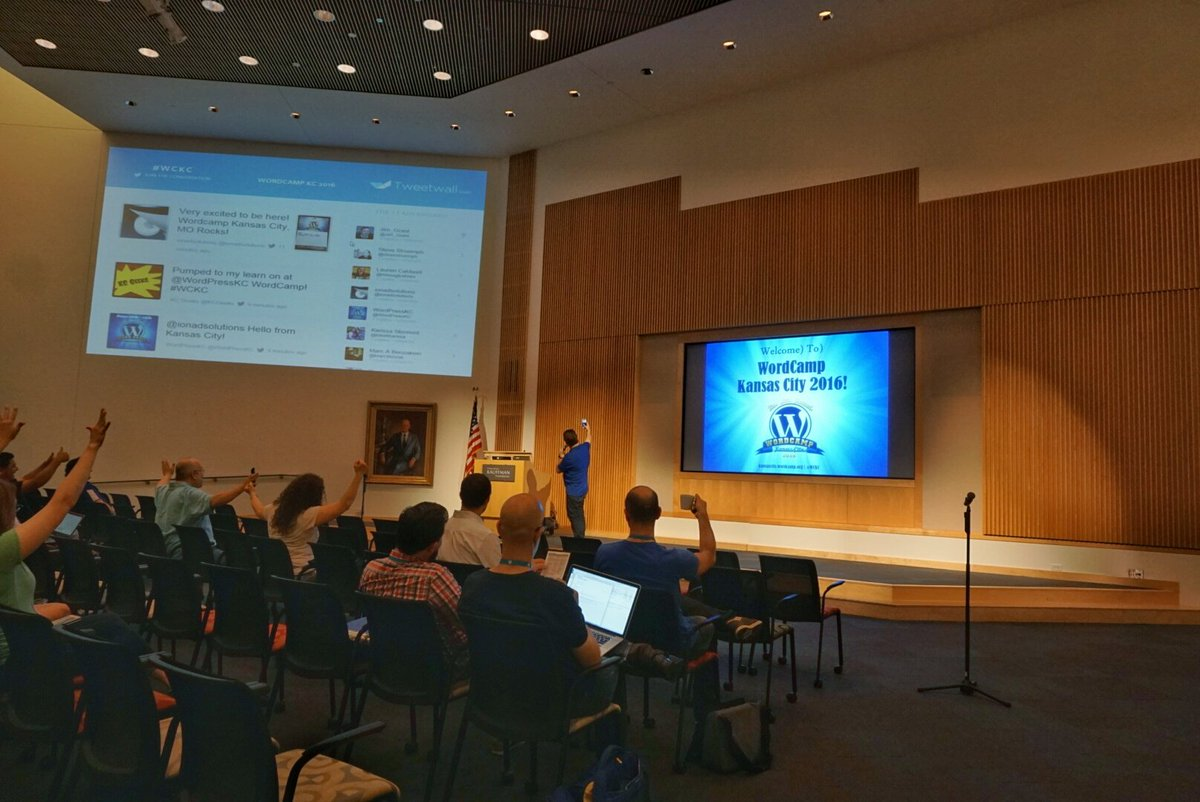 But first, lemme take a selfie. Wordcamp KC is under way! #WCKC https://t.co/xh8EjxhCkJ
