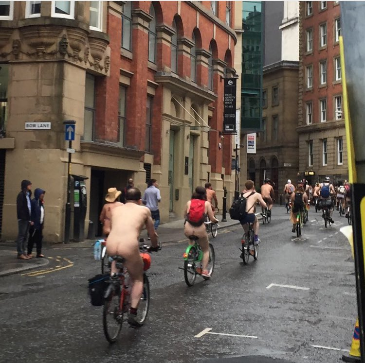 And then I ran into The Naked Bike Ride. #Manchester https://t.co/RNzxkRACN7