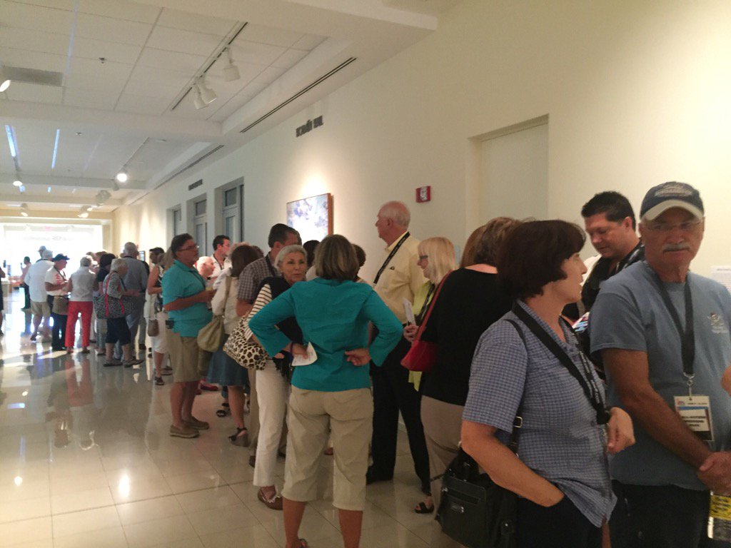 Lined up at the @VeroBeachMuseum for #VBWFF. #TCPalmSocial https://t.co/fH0HNfxVNd
