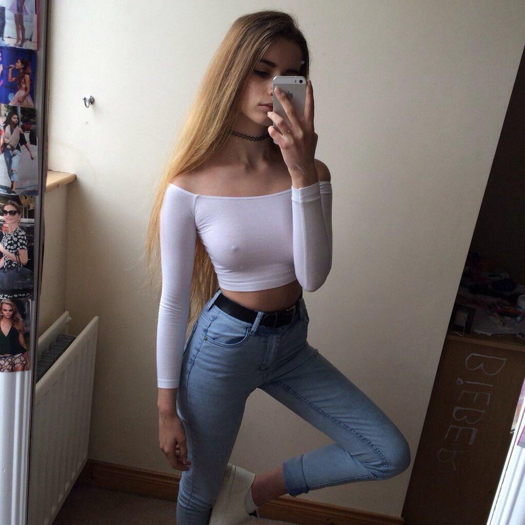 040 views 2boobounces brunette teen