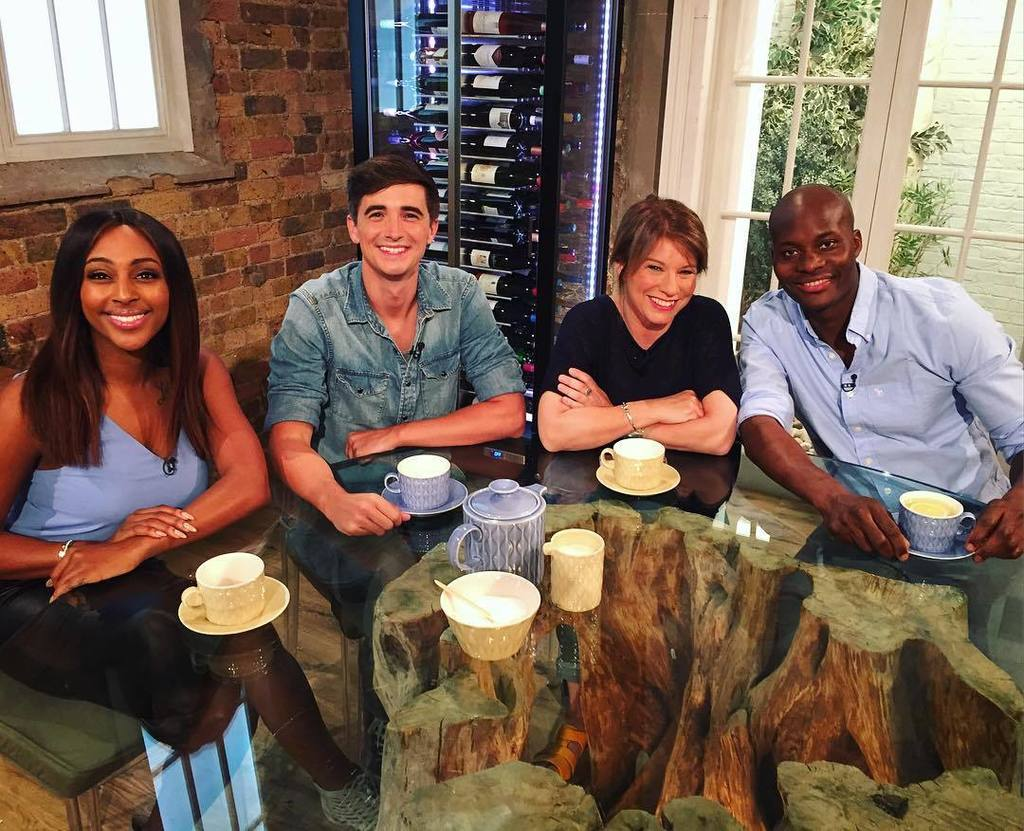 RT @DonalSkehan: We are good to go! Tune in at 9am with @alexandramusic @mariaelia9 @freddyforster! 📺👍🏼 https://t.co/eCpyqFSy4t https://t.c…