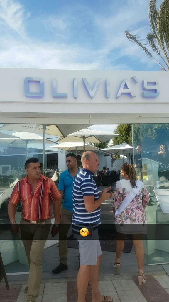 RT @tessacasey26: Had the best night ever last night at #olivias thank you to  @elliottwright_ and your staff for an amazing night ! https:…