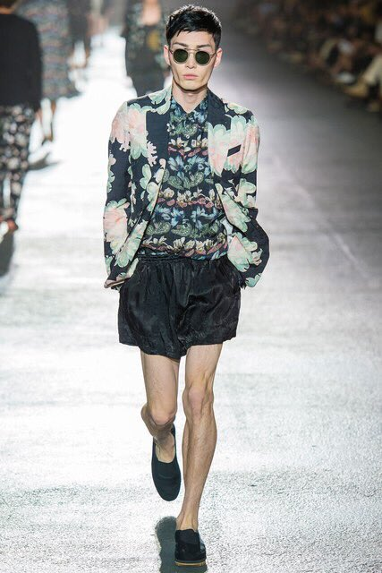 Dries Van Notenのやつです。ワイ氏盲信ブランドだからマットさん着ててめちゃ嬉しいっていう。