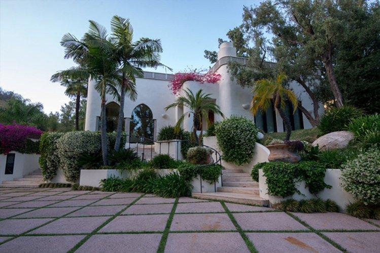 Chi vuole comprare l'ex Mega Villa di Cher e Eddie Murphy a Beverly Hills?