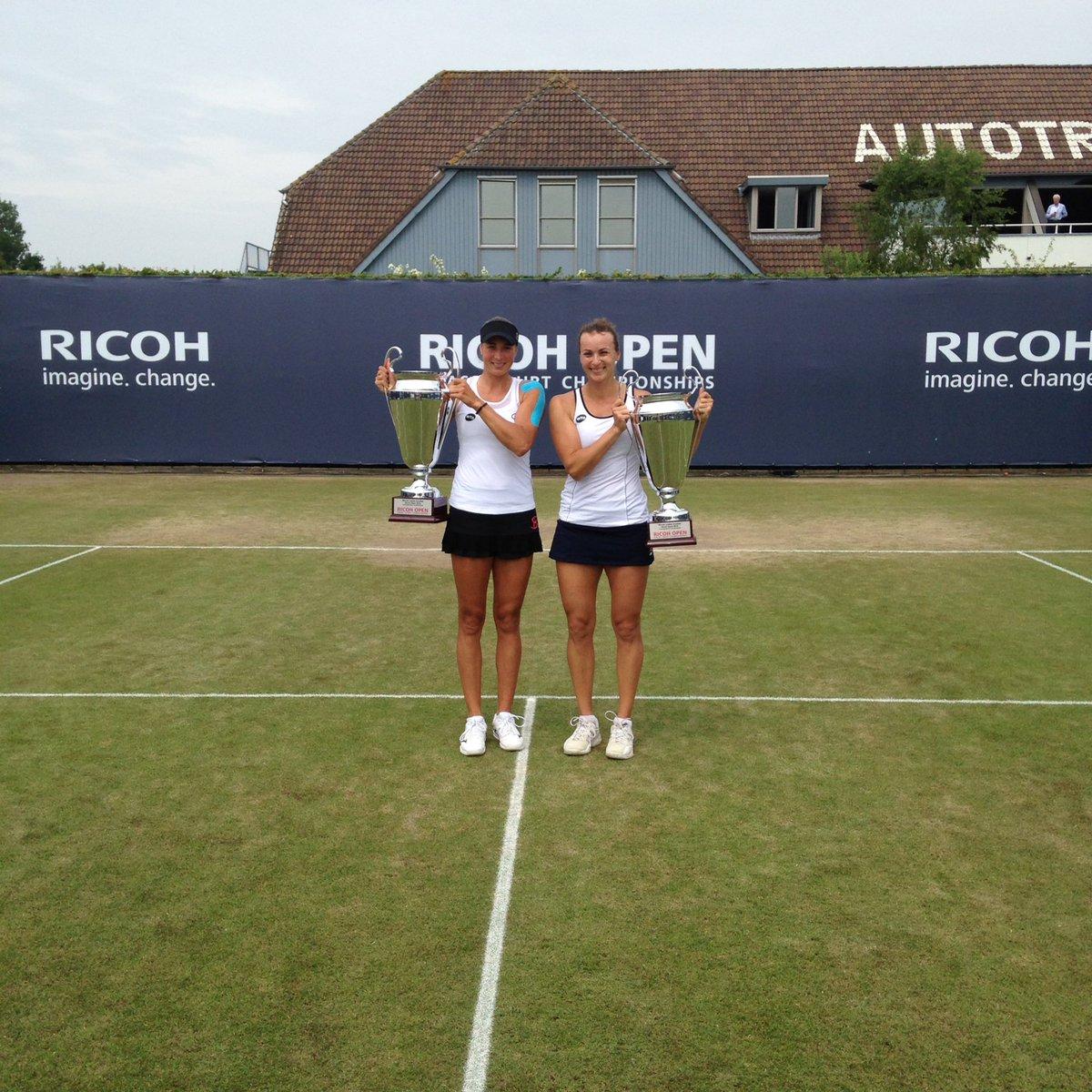 Kalashnikova & @SlavaSays win the doubles! Congratulations!