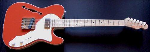 ソラニ×メロディはこの赤いギターで録音しました。赤いギターがどうしても使いたかったんです。 https://t.co/XGmLt2m7NF