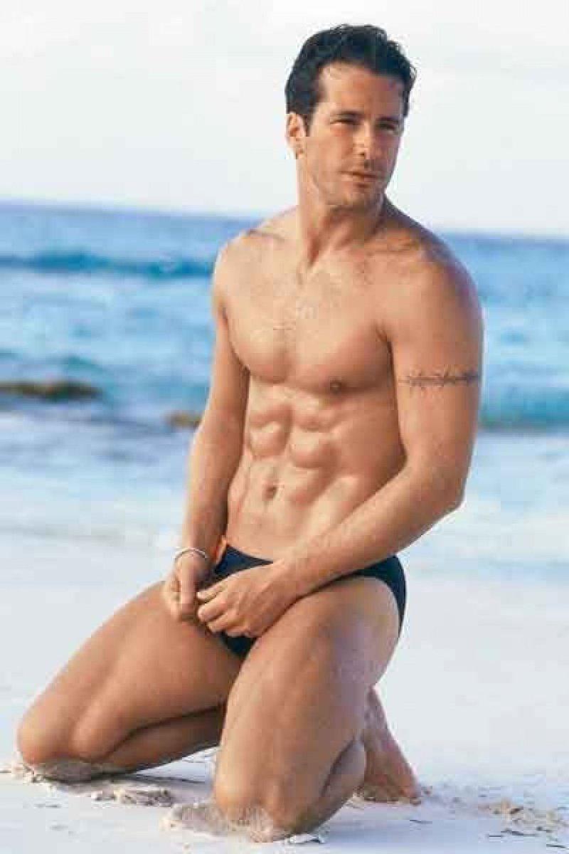 en fernando bikini carrillo