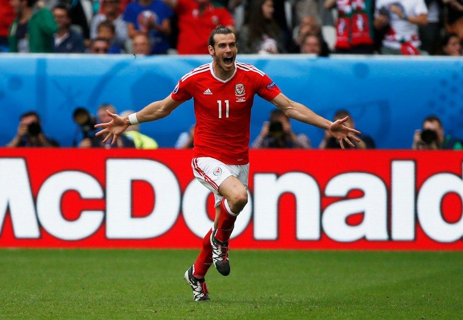 Gareth Bale devient le premier buteur du Pays de Galles à l'Euro dans toute son histoire ! https://t.co/XWFYDc5rfc