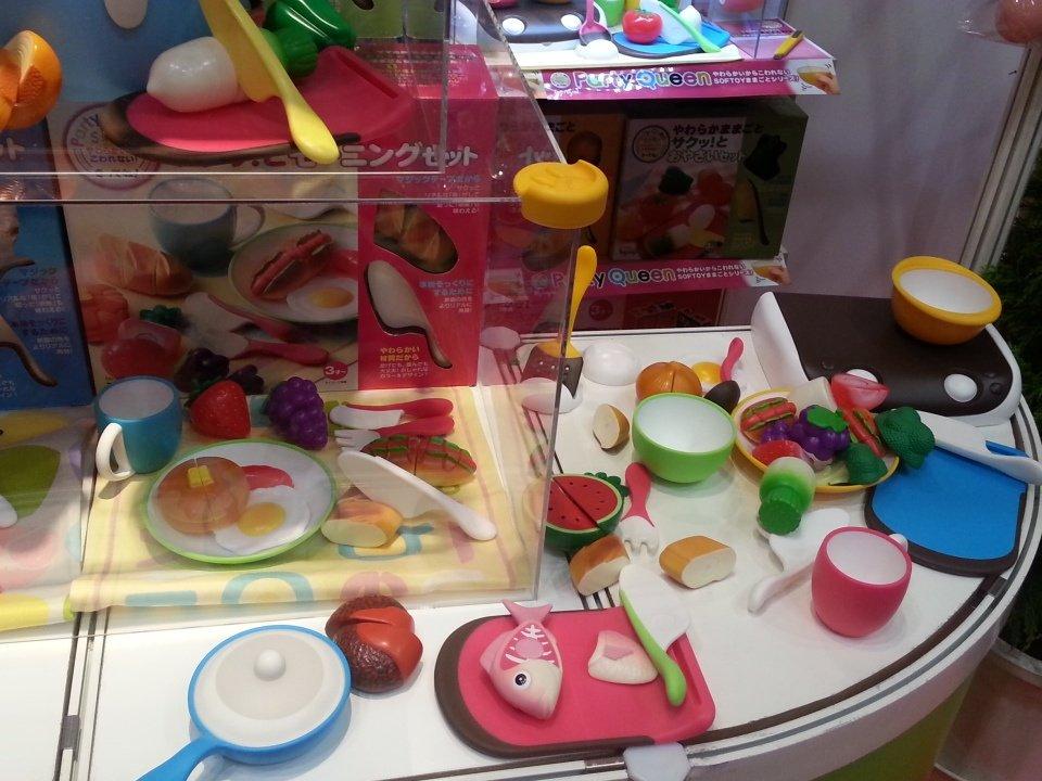 姪っ子こういうの大好きなの♡  #東京おもちゃショー2016 #パーティークイーン #トイロイヤル https://t.co/xonYa0JKDc