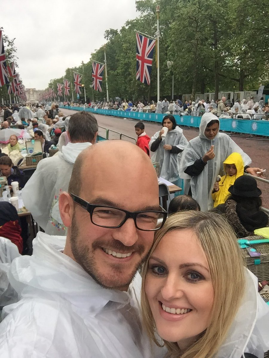 Wonderful afternoon @thepatronslunch. Never have so many people had so much fun whilst wearing ponchos #Queenat90 https://t.co/XR9Rc9frea