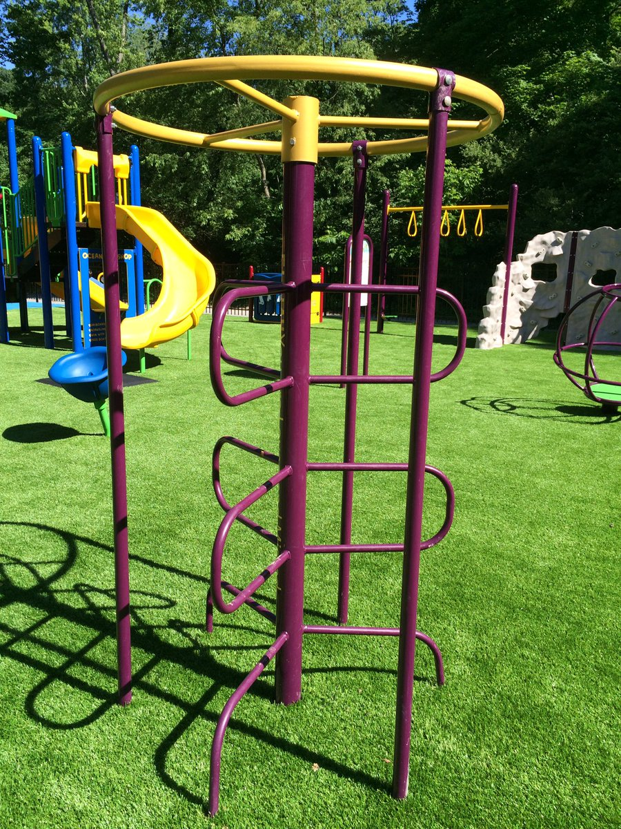 Lots or rotational #symmetry at the playground #mathphoto16 https://t.co/mSZIMQiTfe