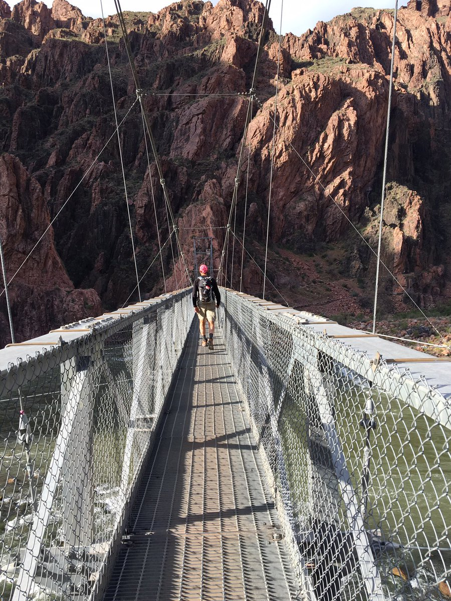 Bridge #symmetry #mathphoto16 https://t.co/oDmzDx98p3