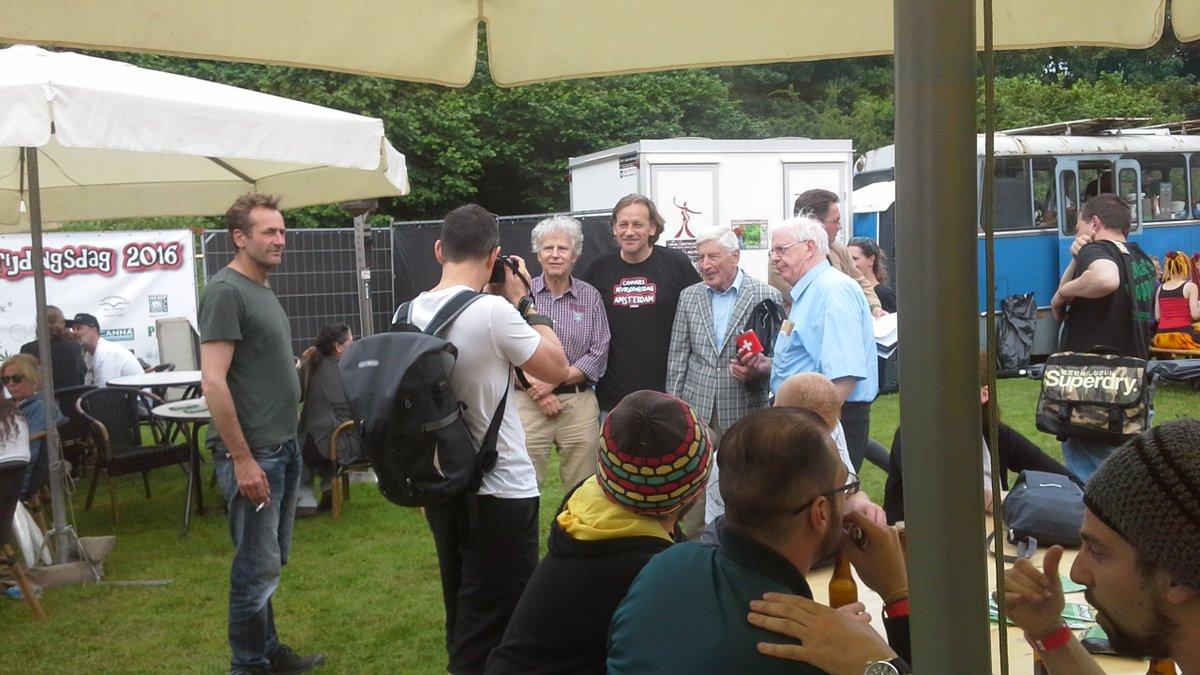 #BREEK Oud Minister-President Dries van Agt is gearriveerd op Cannabis Bevrijdingsdag! #cbd2016
