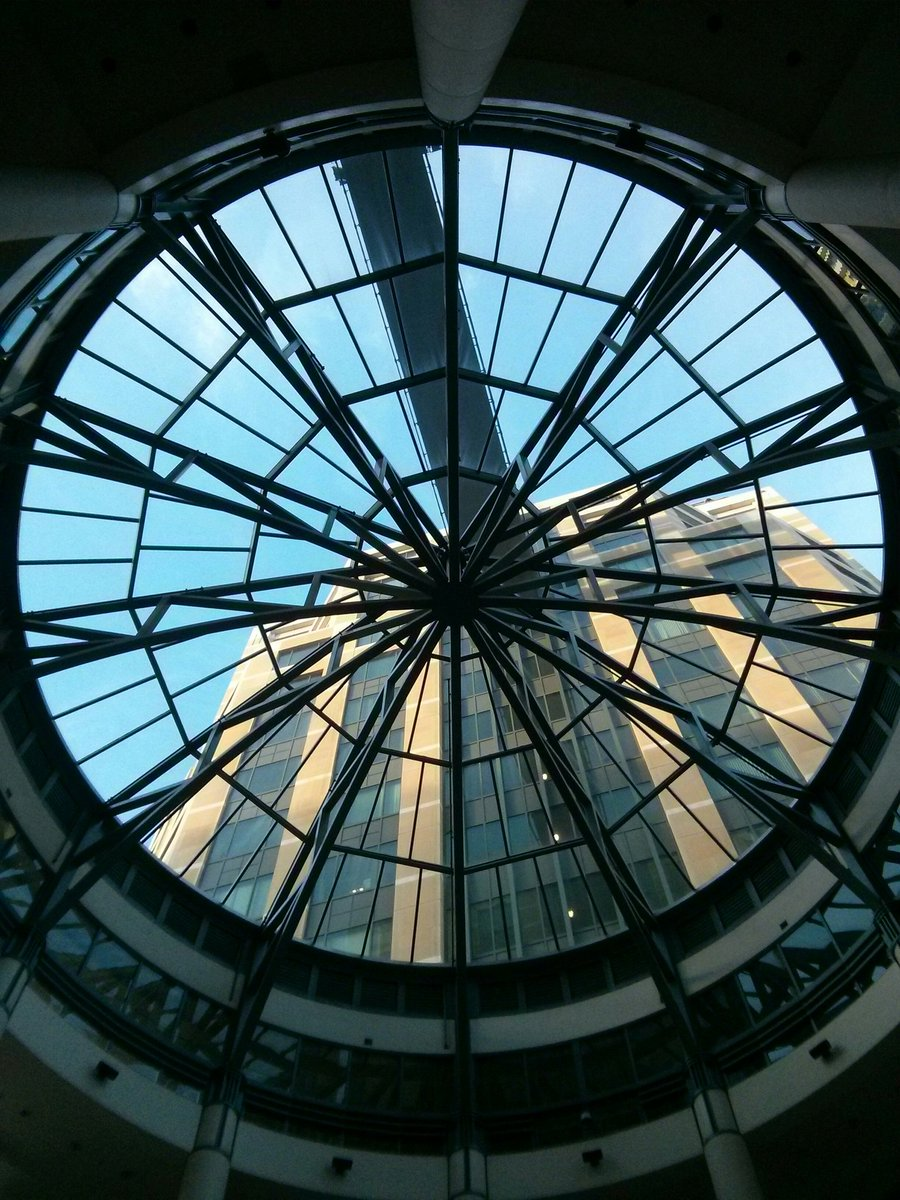 Inside a federal building in San Francisco during #NCTMannual. #mathphoto16 #symmetry https://t.co/jXZUeIDd6n