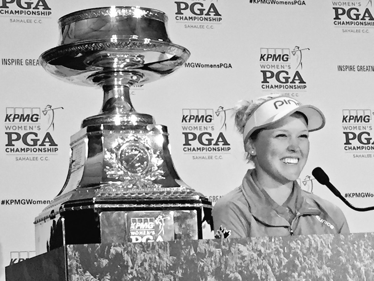 Canada's @BrookeHenderson projected to move to No. 2 in the world. LPGA's top two players will be teenagers. https://t.co/BUkWY10Xaf