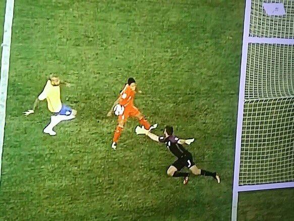 brasil apelo a la mano del adios y jugaria los cuartos de finales con colombia