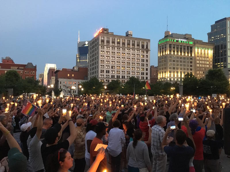 Nashville packs courthouse lawn in support of Orlando victims: https://t.co/lARH4n2te7 https://t.co/ALJBfdDz5x