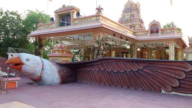 @prahasimh @bezubaan @mighty_krishna @BrilliantJans05 Perumal temple in Indinesia https://t.co/fmCVMtGaDq