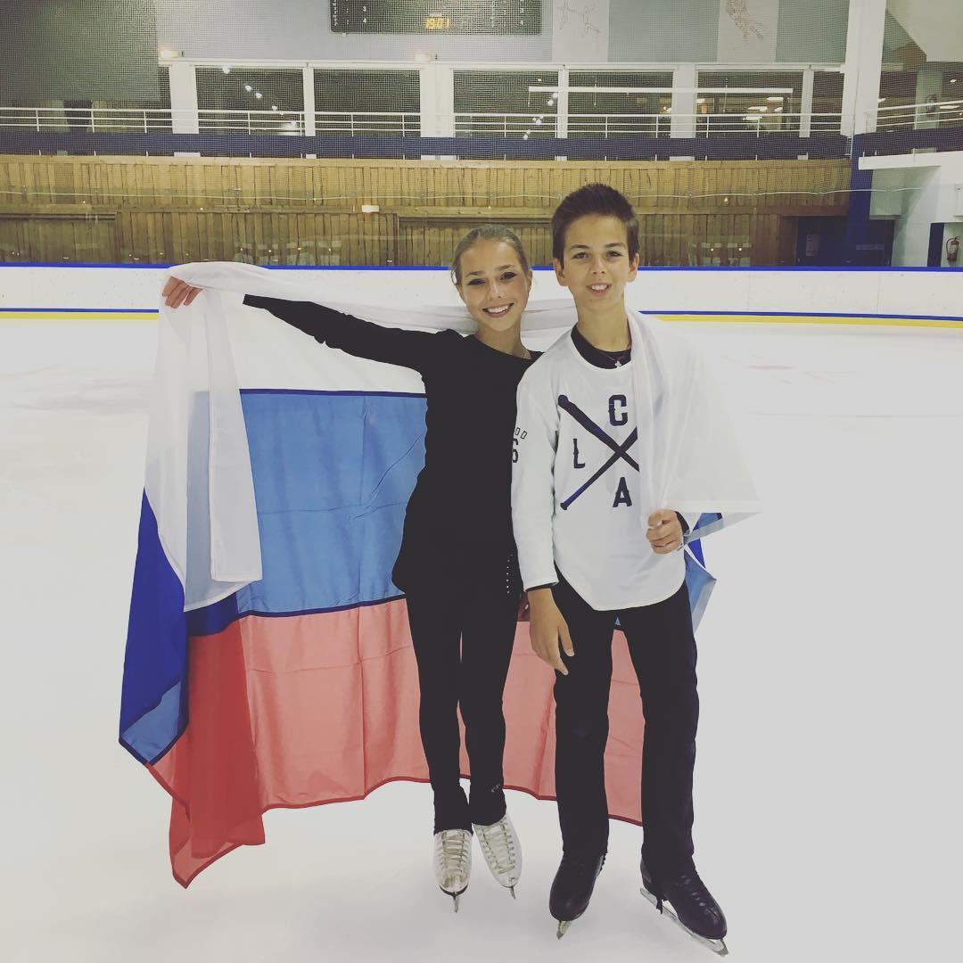 Группа Мишина - СДЮСШОР «Звёздный лёд» (Санкт-Петербург) - Страница 15 Cl-2USiWAAANL1a