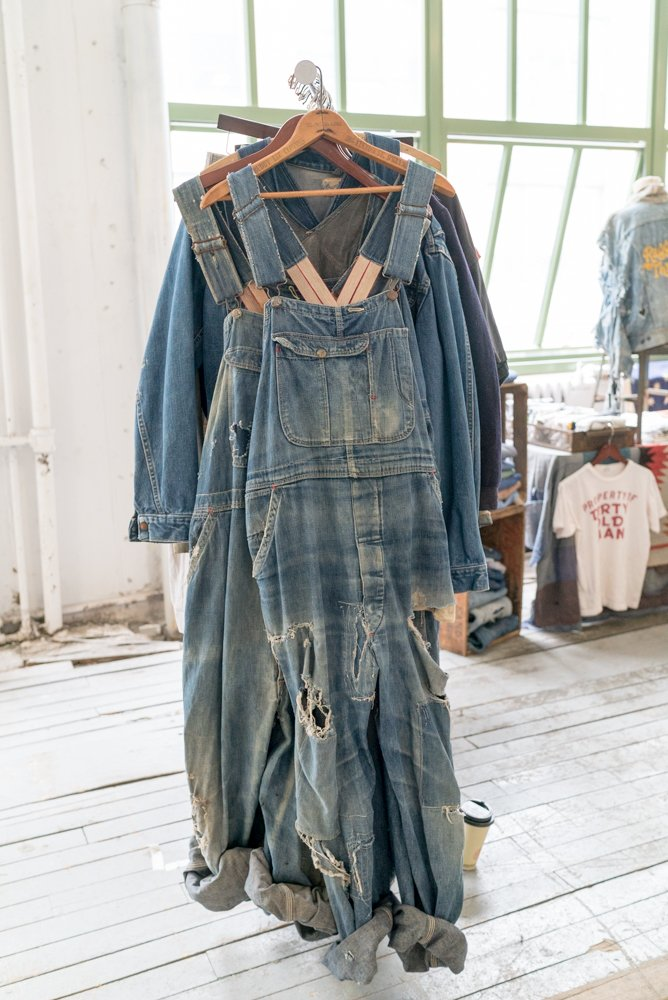 A Current Affair On Twitter Finding The Perfect Overalls Has Never