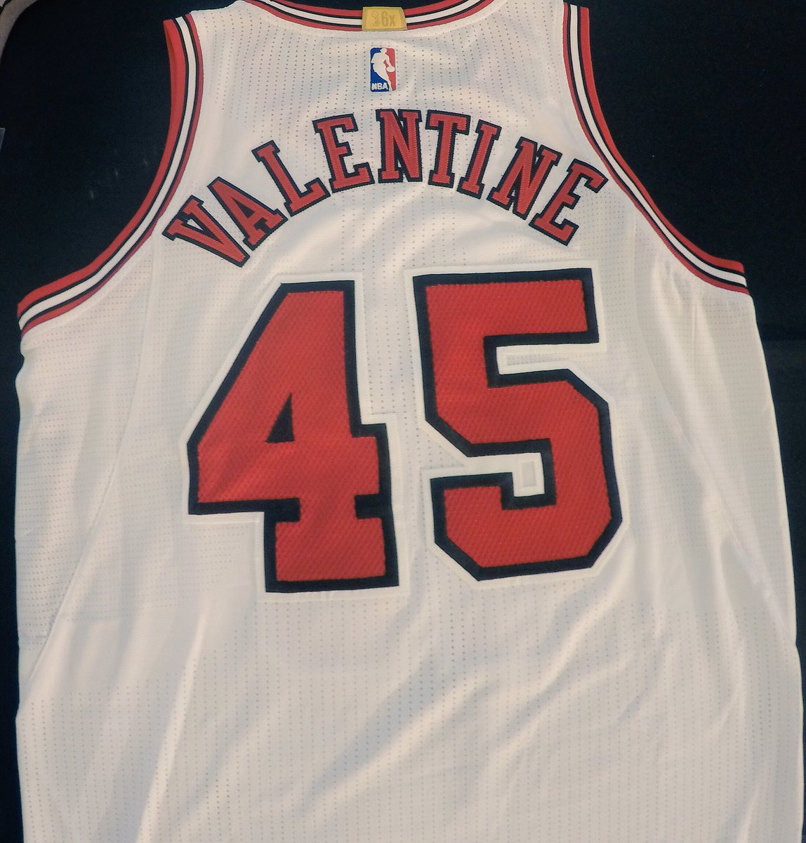 8a94620d6a0 Chicago Bulls rookie Denzel Valentine to wear Michael Jordan's old ...