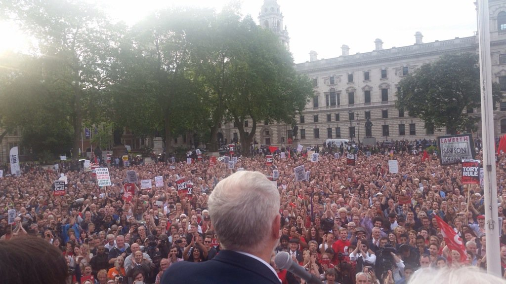 10,000 people in Parliament Square with just 24 hours notice. @jeremycorbyn going nowhere. #KeepCorbyn https://t.co/RHLqfHNeUe