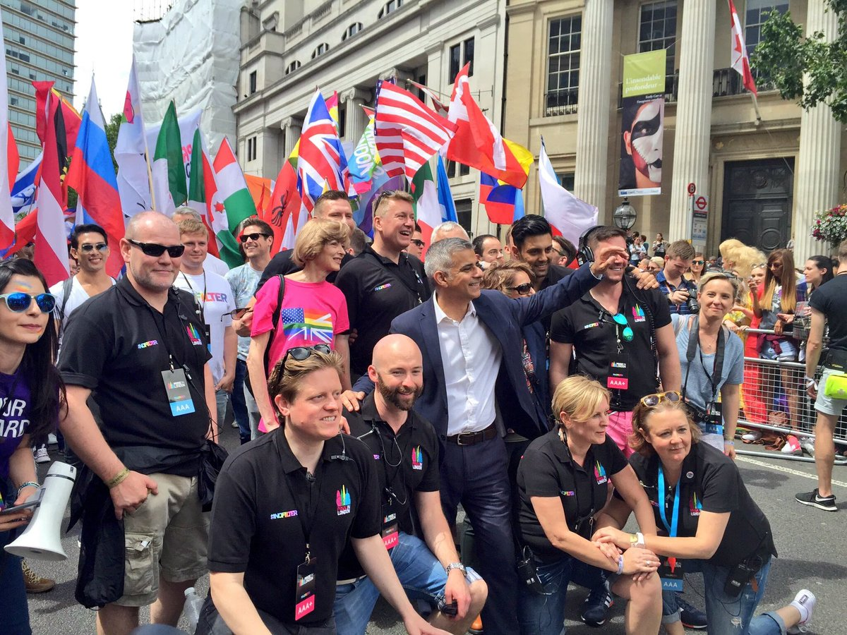 London is one of the most LGBT+ friendly cities in the world - & I'm so proud to be your Mayor #Pride2016 #LoveWins https://t.co/JS8N0Bmscl