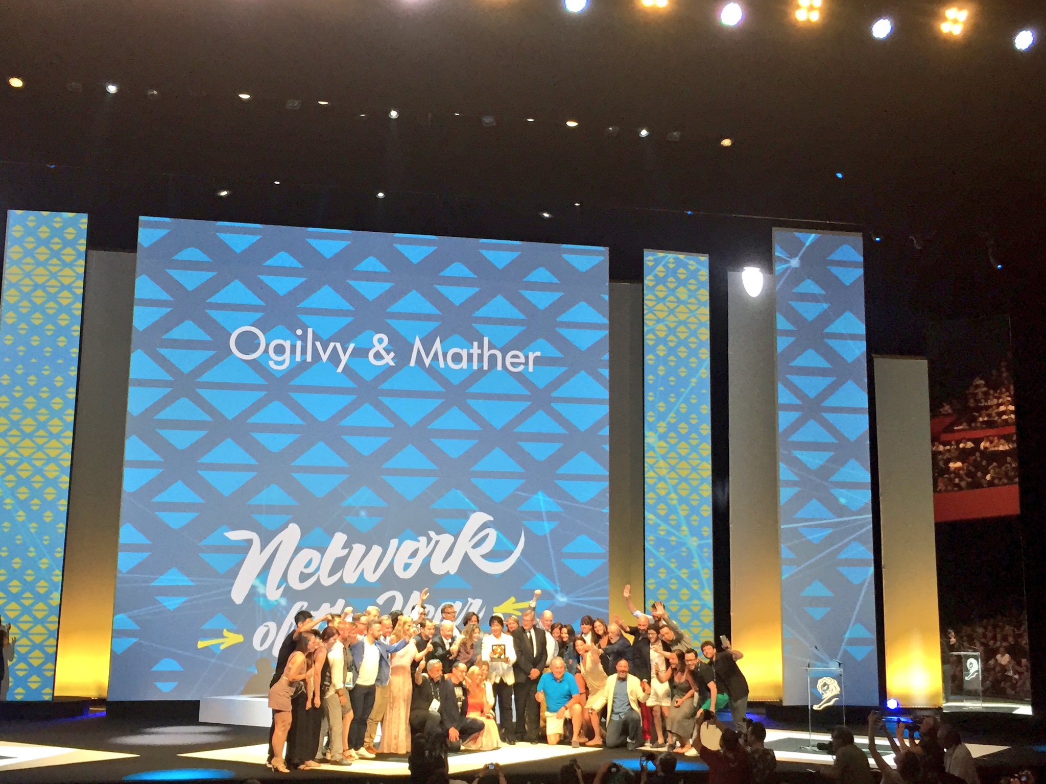 RT @BintaHammerich: Congrats @Ogilvy - Network of the Year #CannesLions https://t.co/7REgyVL4w9