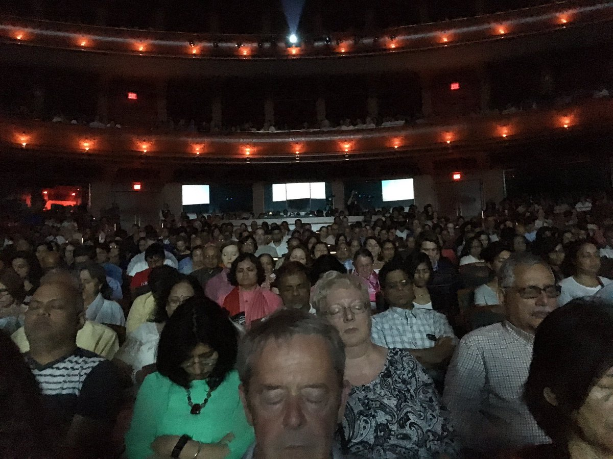 People meditating at @NJPAC Transmission by Global @heartful_ness #Meditation Guide @kamleshdaaji  #heartfulness https://t.co/Inr9mjFaN3