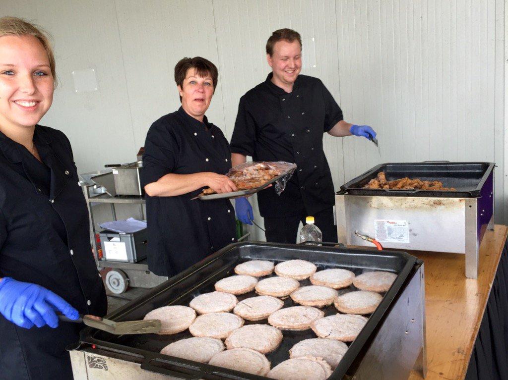 Een van de feestjes van gisteren met het BBQ koks team op locatie BBQ bedrijfsfeest #compleetverzorgd