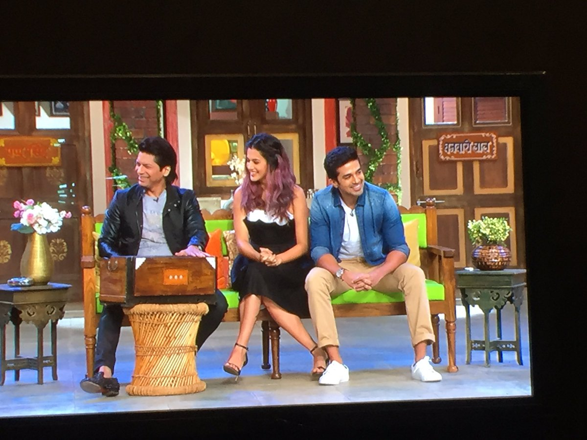 comedynightslive hashtag on Twitter
