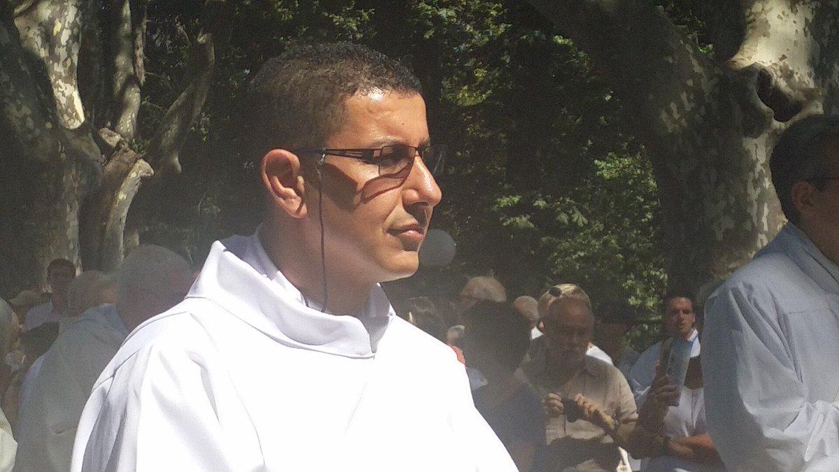 Var : musulman puis athée, puis protestant, il est #prêtre catholique depuis cet après-midi. https://t.co/VoksWQlqH2 https://t.co/Pe1gCsUQb0