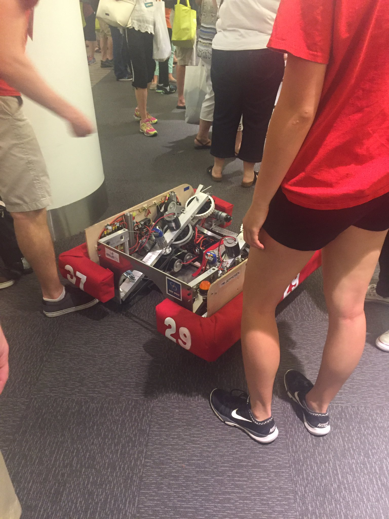 CS playground at #ISTE2016 #fcpsiste learning to build some robots!! https://t.co/6tB8hVZiuz