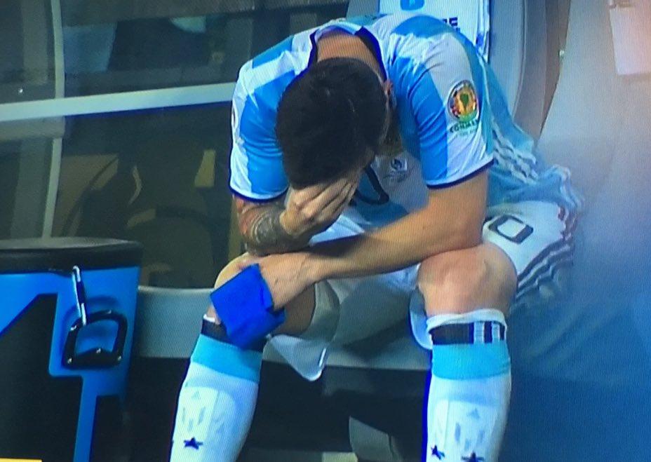 Así lo siente el! Y ahora aparecerán los Anti Messi, los que no entienden lo que él es y ama al país! Yo te amo!