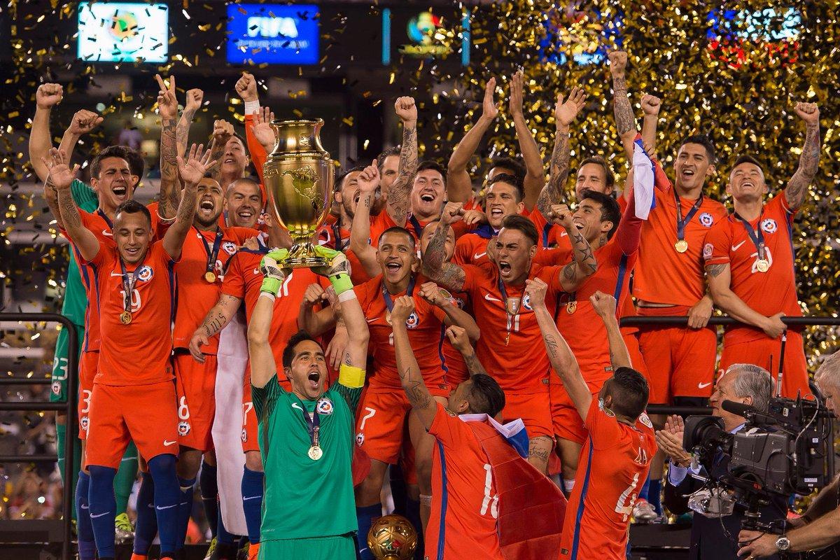 Cl7YBH9XEAIn5Bi Copa América: nos penais, o Chile é bi. Messi desperdiça o dele, adiós Argentina... E adiós Lionel, que não mais quer jogar pela seleção... Será verdade?