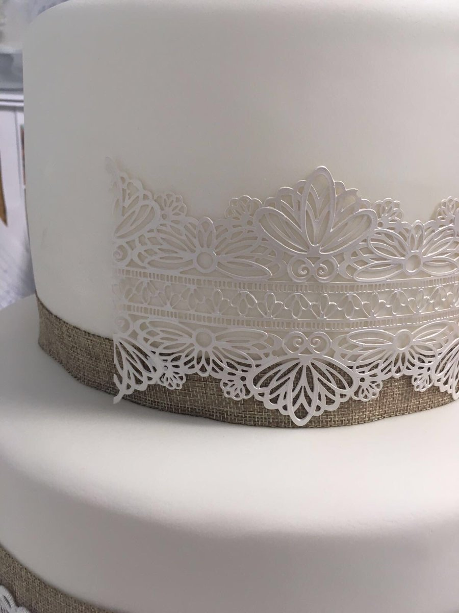 Cake Craft World On Twitter Quot Vicki S Cake Is Coming On