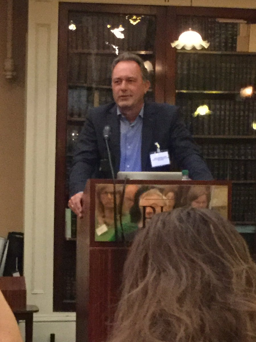 Barend Mons on open Science landscape/Cloud.  Business as usual can't continue  @RIAdawson #irlopensci @barendmons https://t.co/KexL38dI3i