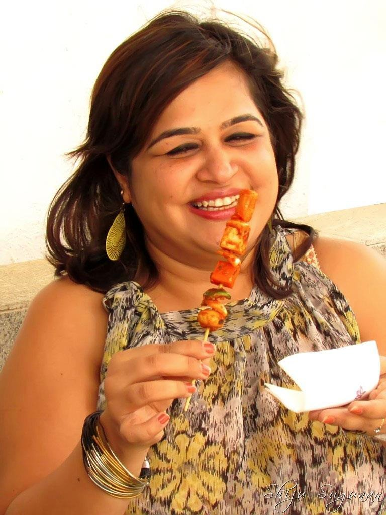Eating what I love is now easy. Sensodyne Whitening Toothpaste has made life happy! @SensodyneIndia #BackToYourBest https://t.co/UrPGtrujSY