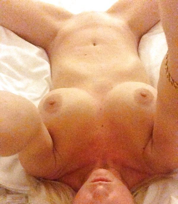 Nude Selfie 6235